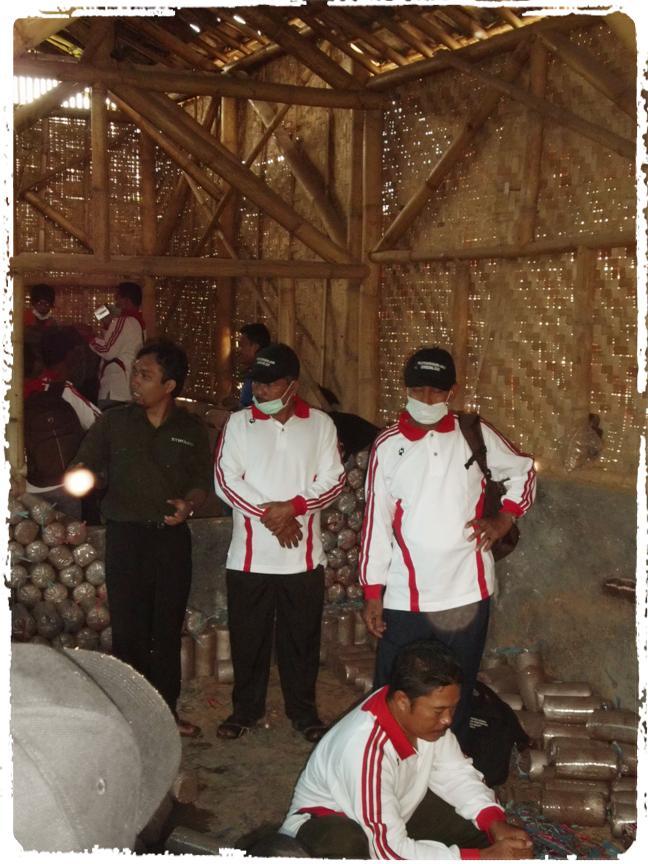 kunjungan-ke-kumbung-jamur-di-cisarua-bandung-workshop-budidaya-jamur