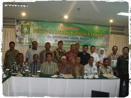 foto-bersama-pelatihan-budidaya-jamur-bandung-kerjasama-dinas-pertanian-dan-peternakan-kabupaten-bengkalis1_fotor