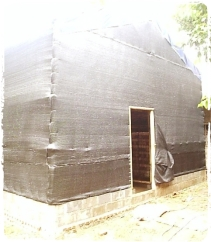 kumbung jamur dengan bahan pelapis paranet
