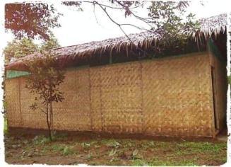 model kumbung jamur sederhana dengan atap rumbia