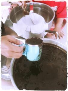 menumbuhkan-jamur-pada-media-ampas-kopi-rumajamur-organikganesha-pelatihan-jamur